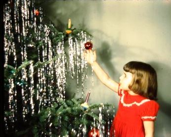 Christmas past mused by magdalene How to decorate a christmas tree without tinsel
