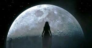 Selena-Gomez-Moon-Goddess-2014-AMA