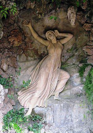 300px-Relief_of_Echo_-_Parc_del_Laberint_d'Horta_-_Barcelona